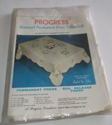 Vtg. NIP Progress Stamped Embroidery Tablecloth #1400/27 DAISY SPRAY 60 x 90 Obl