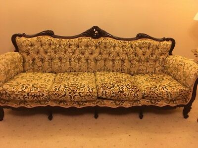 Antique Style Lounge Suite Reduced