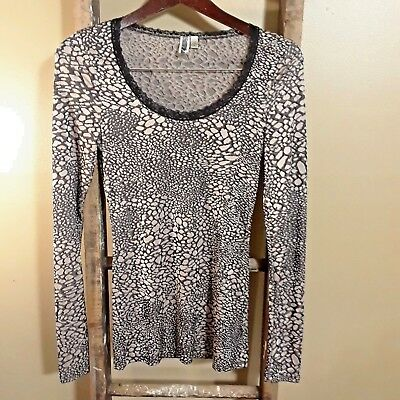 BKE Women's T-shirt Long Sleeve Top Leopard  Lace Stretch Career Size Small