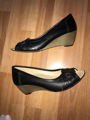 5c7627da6527 PAVERS BLACK PATENT Leather Look Slip On Wedge Heel Shoes Size 7 ...