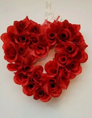 """Ashland Valentine's day Couronne of roses wreath. approx. 11""""L × 11""""w × 3.25""""H"""