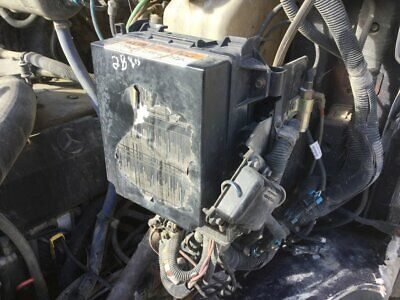 KENWORTH T660 FUSE Box w/Cover, Mounts to Firewall, Less Wiring
