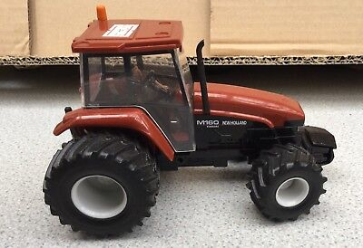 REPRODUCTION BRITAINS 1:32 MASSEY FERGUSON 135 FRONT WHEELS /& TYRES