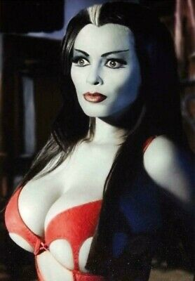 Yvonne De Carlo Lily The Munsters Sexy Beautiful Haze Glossy 8x10 Photo