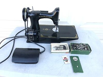 1952 Singer Featherweight Sewing Machine 221 Cat 3-120, W/Accessories SEE VIDEO!