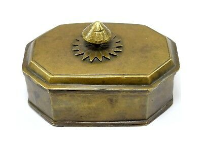 Indian Antique Very Beautiful Old Octagonal Shape Brass Trinket Box. G7-752 AU