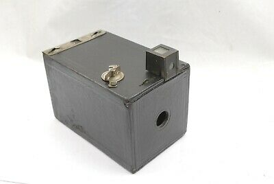 Kodak Brownie 1900 model, complete with winding key, accessory finder.