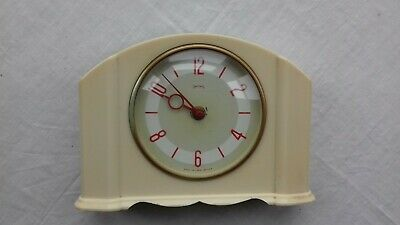 Vintage. English. Retro.  Mantel  clock