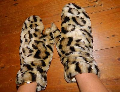 VINTAGE English Make 1950s-60s Original Rockabilly Retro Leopard Faux Mittens