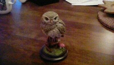 Totally Cute Country Artists Little Owl - On Gate Post. 9.5cms tall, no01038