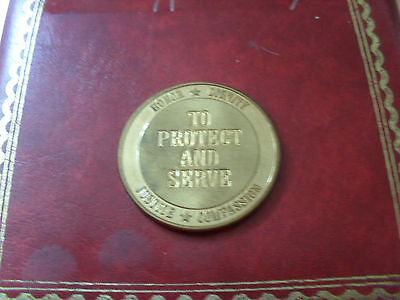 US coin City of Fort Meyers police dept gold tone 3.8cm diameter