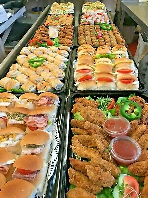 10 x Plastic Catering Trays with Lids