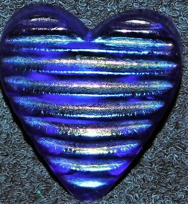 Beautiful Signed Robert Held Highly Iridescent Glass Heart Paperweight & Label