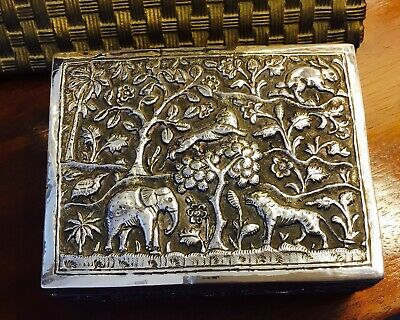 Antique Silver Burmese/India trinket box Highly decorated. 181 grams