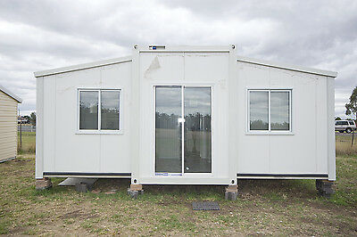TRANSPORTABLE EXPANDA CABIN 5.85m x 6.245M-36.5M2 OFFICE/STORAGE OR OUTBUILDING
