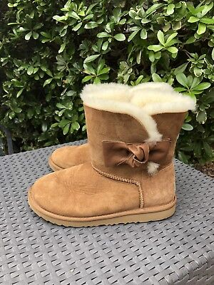 ad77f1c0d80 UGG DAELYNN CHESTNUT Leather Bailey Bow Suede Classic Short Boots ...