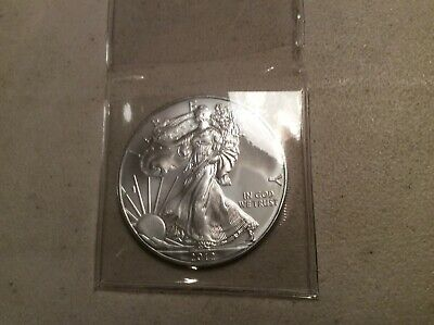 UNCIRCULATED - 2012 AMERICAN EAGLE 1oz .999 SILVER DOLLAR COIN (IN COIN HOLDER)