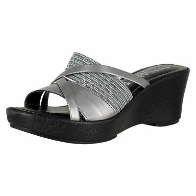 95fce9b11 EASY STREET EVELINA Cracked Silver Womens Slide Size 6.5M -  73.43 ...