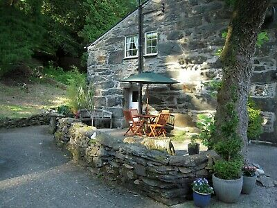 Self Catering Cottage Beddgelert Snowdonia North Wales - sleeps 4 dog friendly