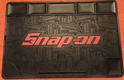 """Snap On Bench Top Utility Mat 24"""" x 16"""""""