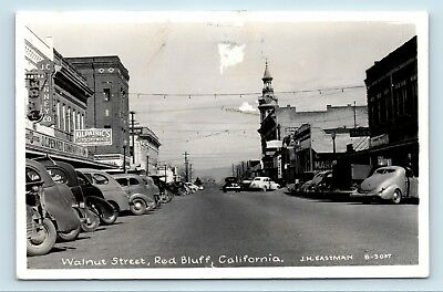 Red Bluff, CA - c1940s WALNUT STREET SCENE - OLD CARS STORES & SIGNS - RPPC - W5