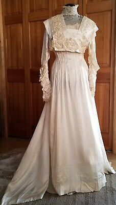 ANTIQUE RARE circa 1900's VINTAGE BRIDLE SILK WEDDING DRESS