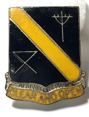 VINTAGE MILITARY PIN USA ARMY 29th SIGNAL BATTALION UNIT CREST METAL PIN