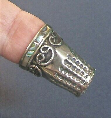 Tremendous Vintage Solid Silver Mother Of Pearl Thimble