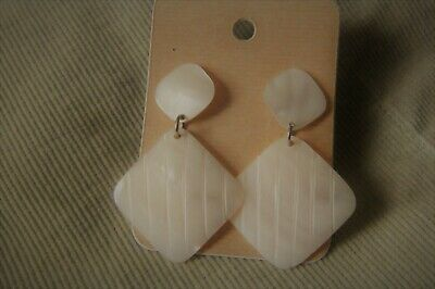 Vtg Mother-of-Pearl Dangle Pierced Earrings