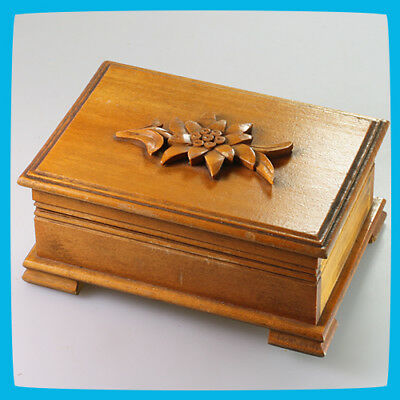 vintage old rare Swiss LADOR Wooden Mechanical Wind up Music Box - England
