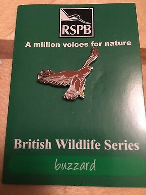 RSPB Pin Badge Tri Fold Small Case buzzard