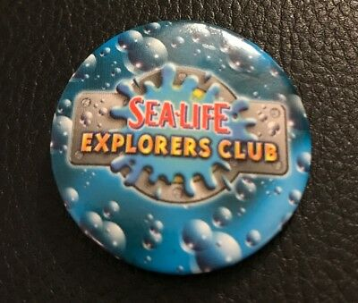 Merlin Sealife Explorers Club Button Badge Thorpe Park Alton Towers Chessington
