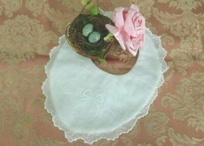 AnTiQuE Linen BABY BIB * Gorgeous EMBROIDERY & SCALLOPED * Reborn Doll * Vintage