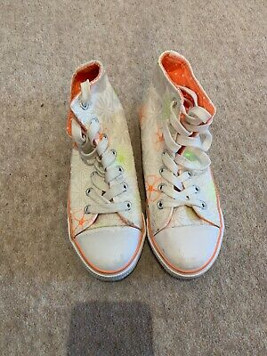 GIRLS NEW Look Flowery BASEBALL BOOTS TRAINERS PUMPS SHOES SIZE 2