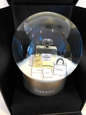 Limited Edition Chanel Snow Dome Snowglobe 2015 Christmas VIP gift with Box