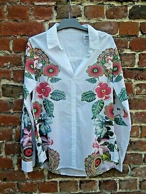 A Chemisier    Desigual Taille L 5V10219