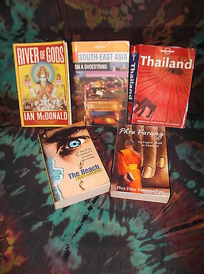 Look! Bulk Book Lot- Travel- Lonely Planet-Thailand + The Beach & Novels- Sb07
