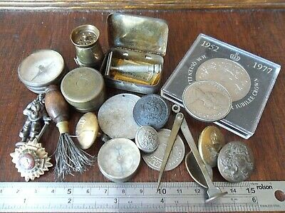 Job lot of vintage Military Items WW1-2 Brass Salt Shaker Coins Shaver Buttons