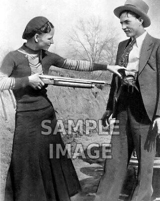 8x10 photo Bonnie & Clyde Barrow, notorious bank robbers & murderers, died 1934