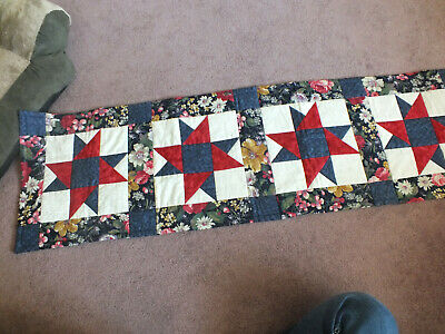 """Beautiful Handmade Quilted Table Runner Reversible Floral Stars 15"""" x 66"""" Navy"""