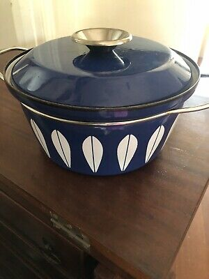 Vintage CATHERINE HOLM of Norway Blue Lotus dutch Oven With Lid Enamel Cookware