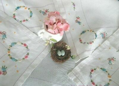 SWEET BULLION ROSES Hand Embroidery * AnTiQuE LINEN TEA CLOTH Vintage TABLECLOTH