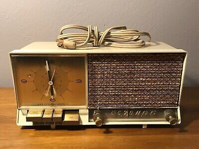 Vintage Ge General Electric Clock Radio Retro Tube Push Button C-446A