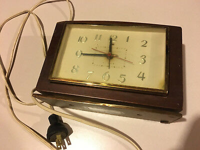 Vintage General Electric Table Top Clock..Model 7HA188...collectible!