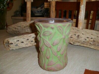 Vintage Peters And Reed Moss Aztec Small Vase With Daisy Pattern
