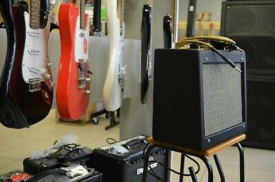 Hand wired 5F1 Champ EL84 tube guitar amp