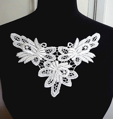 1 pc Raw White Crochet Neckline Collar Motif Appliques Patch Sew on A172