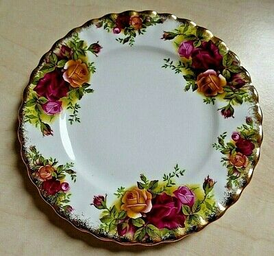 "ROYAL ALBERT OLD COUNTRY ROSES Side Plate 6"" Diameter ~ Gold Border 1st Quality"