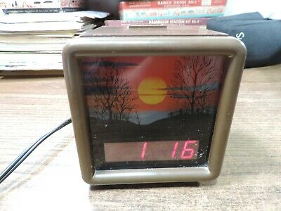 Spartus Corporation Glowing Sunset - 70's Vintage Alarm Clock