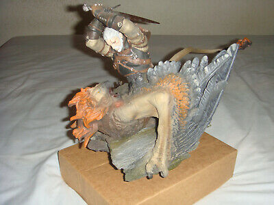 The Witcher 3 Geralt vs Griffin Collector's Edition Statue